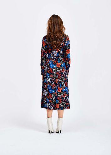 bb70205a09ed42 Donkerblauwe midi-jurk met bloemen - Essentiel Antwerp Belgie